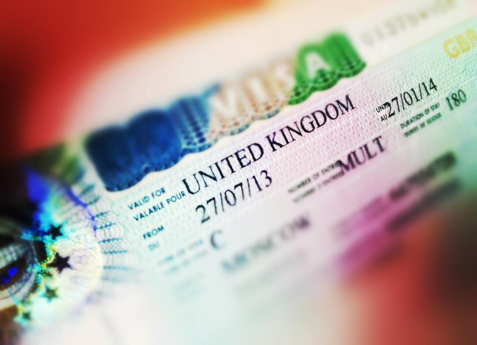 Туристам станет проще получить визу в Великобританию