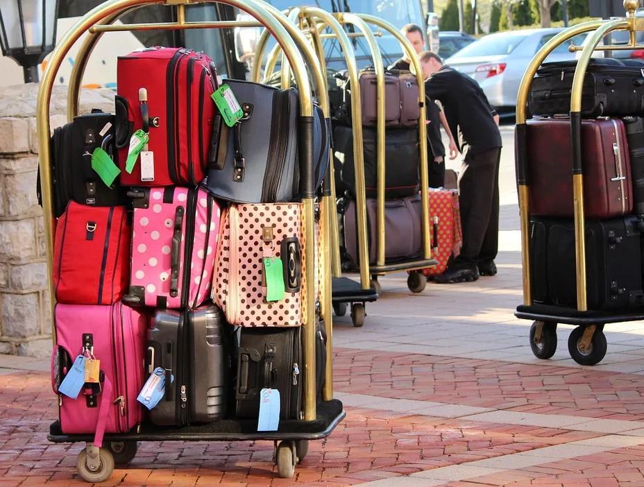 Российских туристов начали обманом выселять из гостиниц Хайнаня