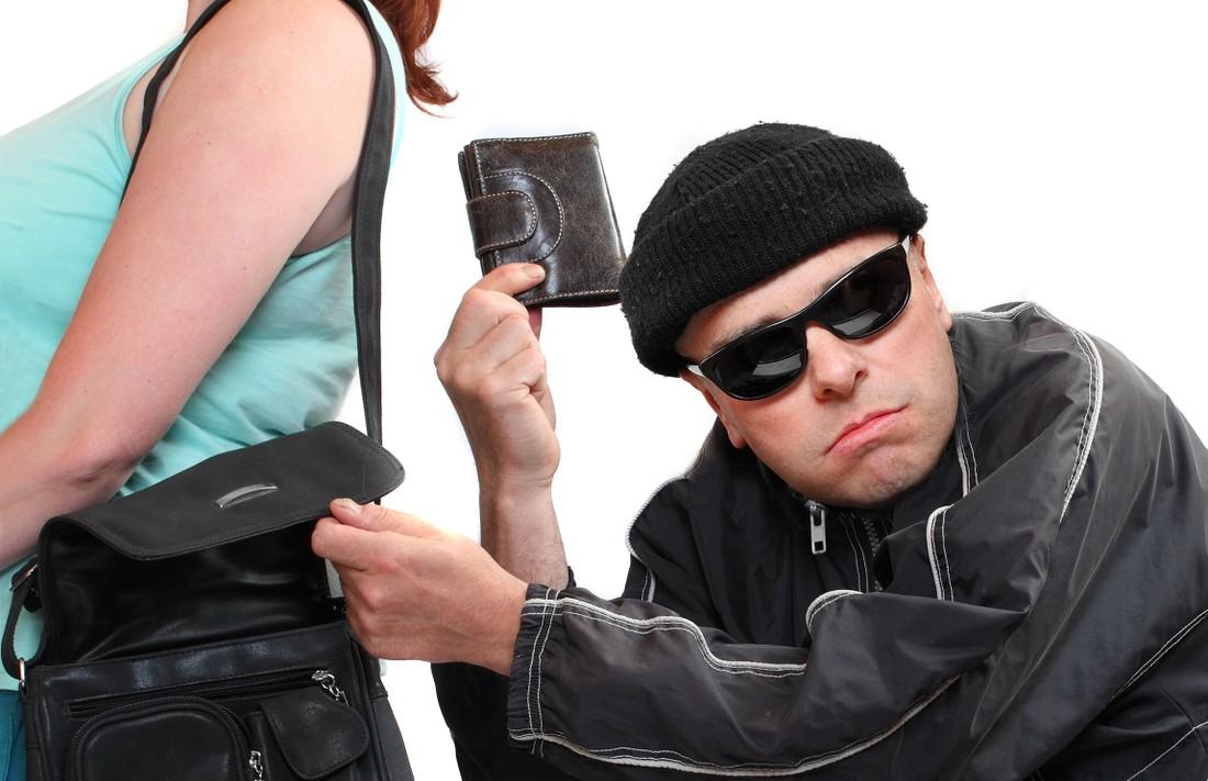Чаще всего у туристов воруют кошельки, затем телефоны и камеры