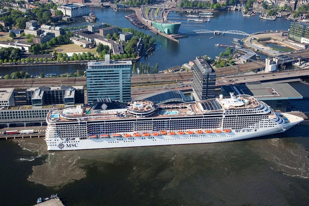 Амстердам ввел сборы с круизных туристов
