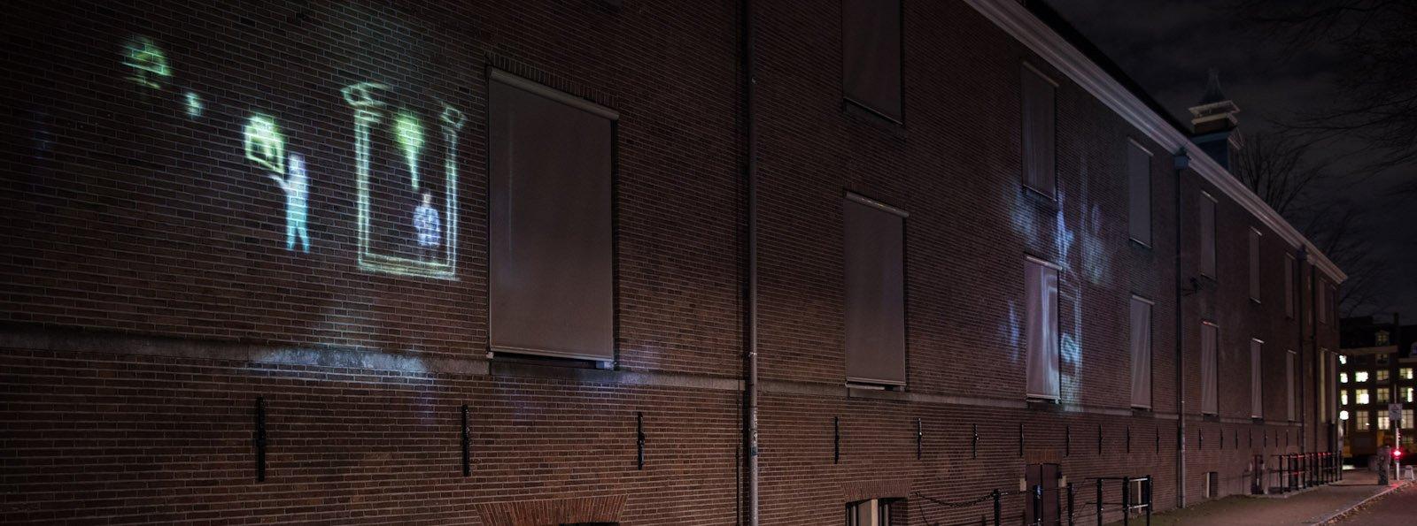 Не только «красные фонари»: смотрите, как украсили улицы Амстердама