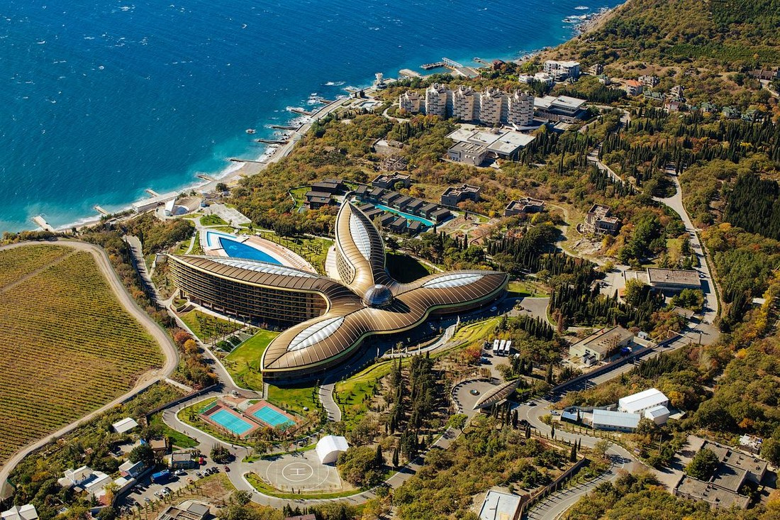Попавший под санкции крымский отель завоевал премию World Travel Awards