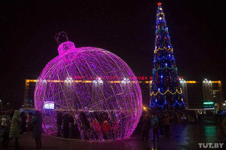 Салют, поиски Санты и праздничный город с высоты старой башни. Топ-3 в новогодней афише Витебска