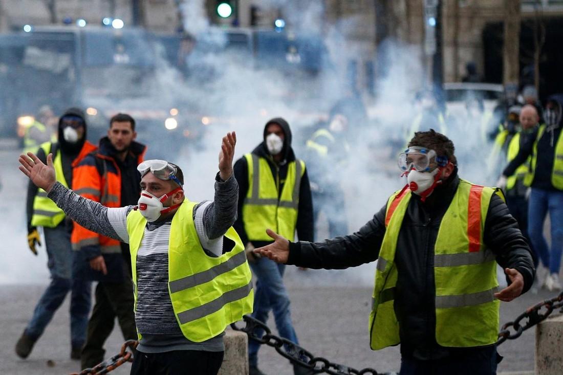 Достопримечательности Парижа пострадали от акций протестов и временно закрыты для туристов