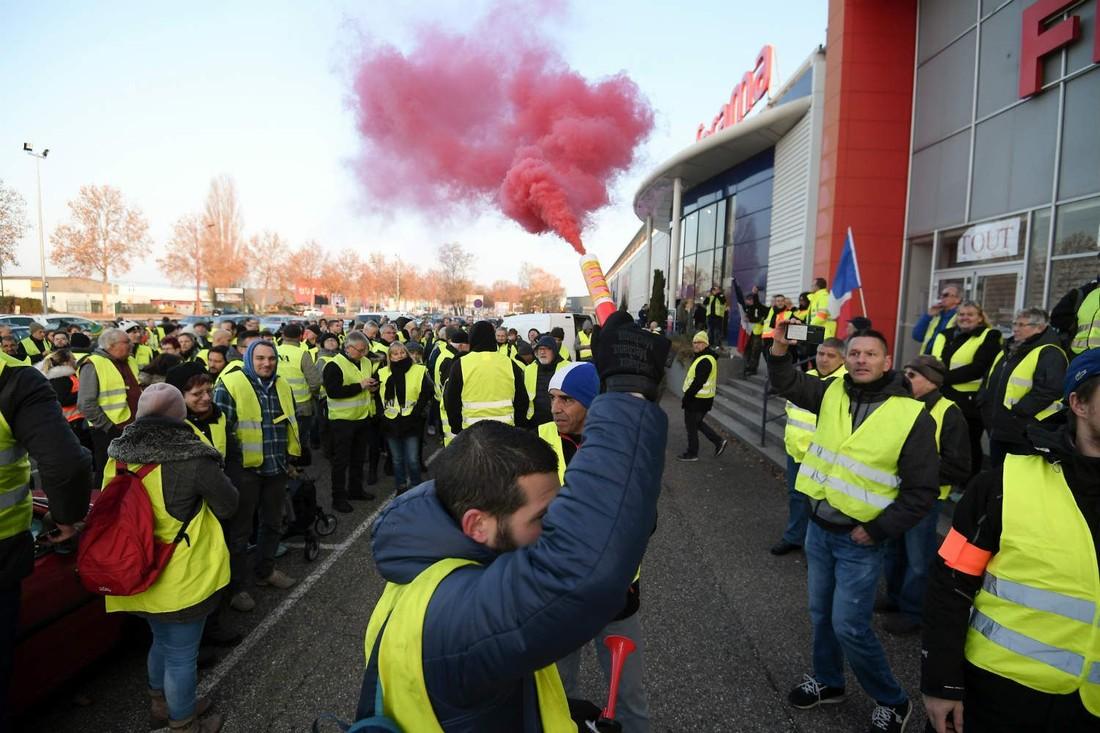 Бельгийский МИД посоветовал своим туристам отказаться от Франции