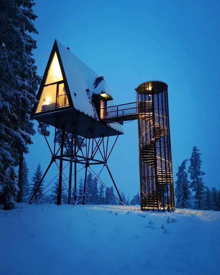 8 метров над землей: в Норвегии появился необычный туристический комплекс