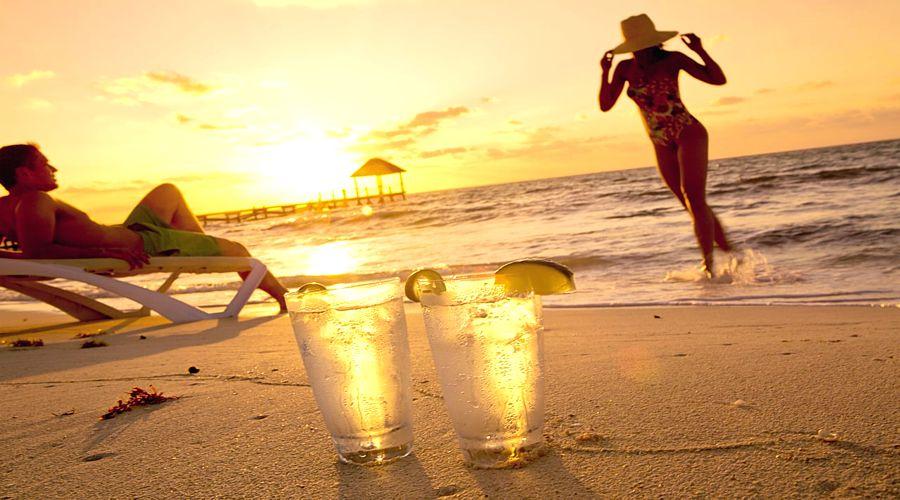 В Гоа туристов планируют штрафовать на 10 тысяч рупий за алкоголь на пляже