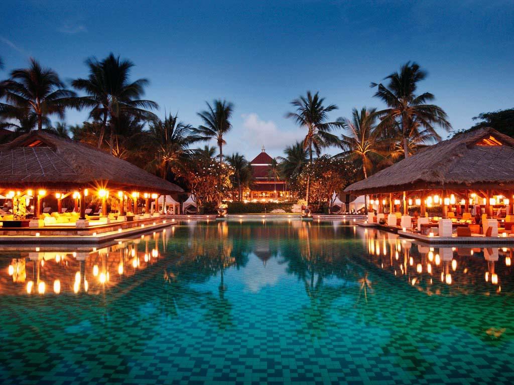 Индонезия планирует привлечь до 10 млн иностранных туристов в год