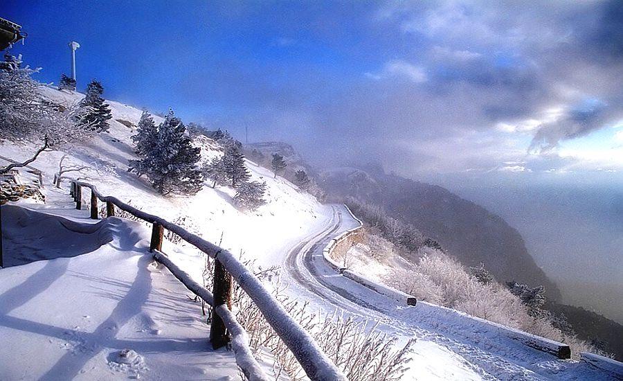 Крым на новый год посетило рекордное число туристов, но в горы лучше не ходить...