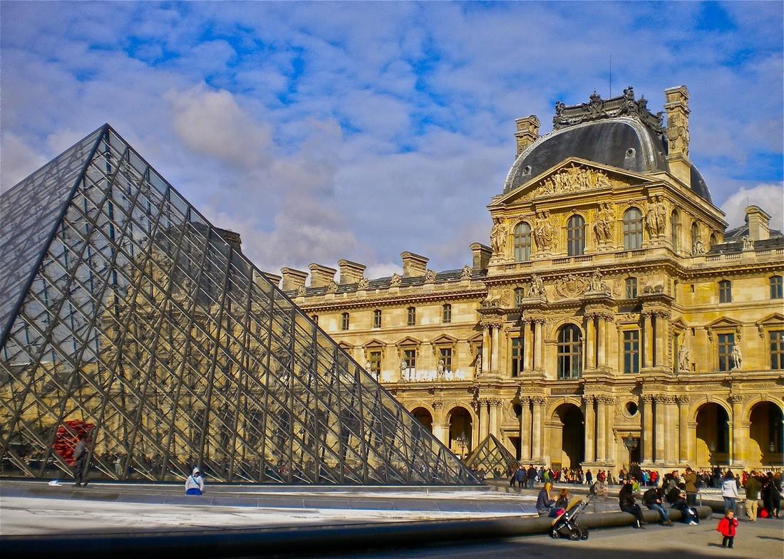 Лувр установил рекорд по посещаемости туристами и стал самым посещаемым музеем мира