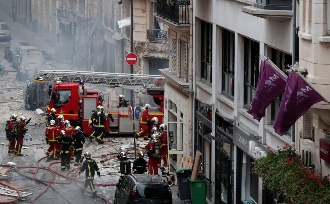 В центре Парижа прогремел взрыв, туристов просят не посещать место происшествия