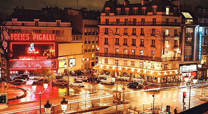 В Париже стриптизерша избила туриста арматурой