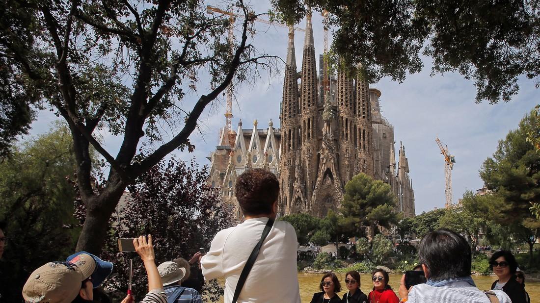 Турпром-Маркет: обзор туров на 07.02: 23 февраля в Андорре, Барселона и Лиссабон