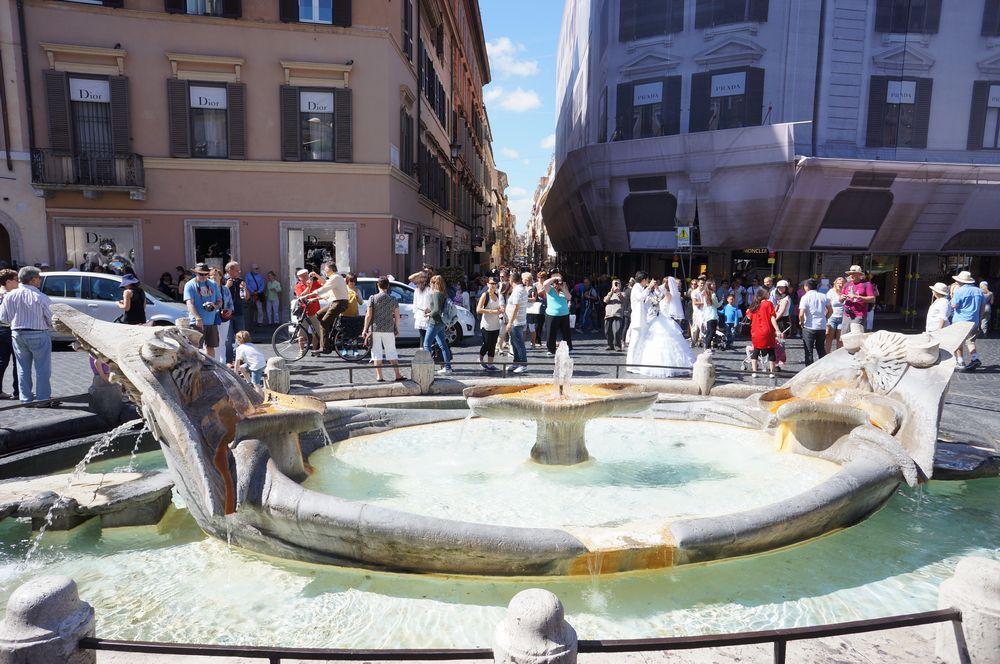 Российские туристки вдохновили римскую мэрию на создание черного списка туристов
