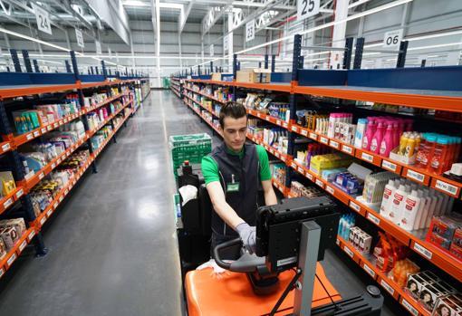 «Меркадона» предлагает работу по выходным с заработной платой до 746 евро