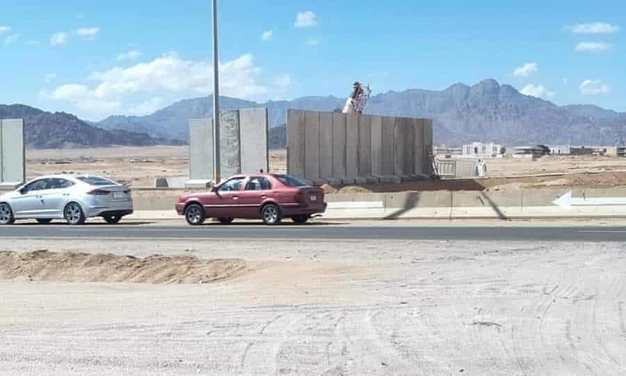 Шарм-эль-Шейх окружают бетонной стеной. Обезопасит ли это туристов?