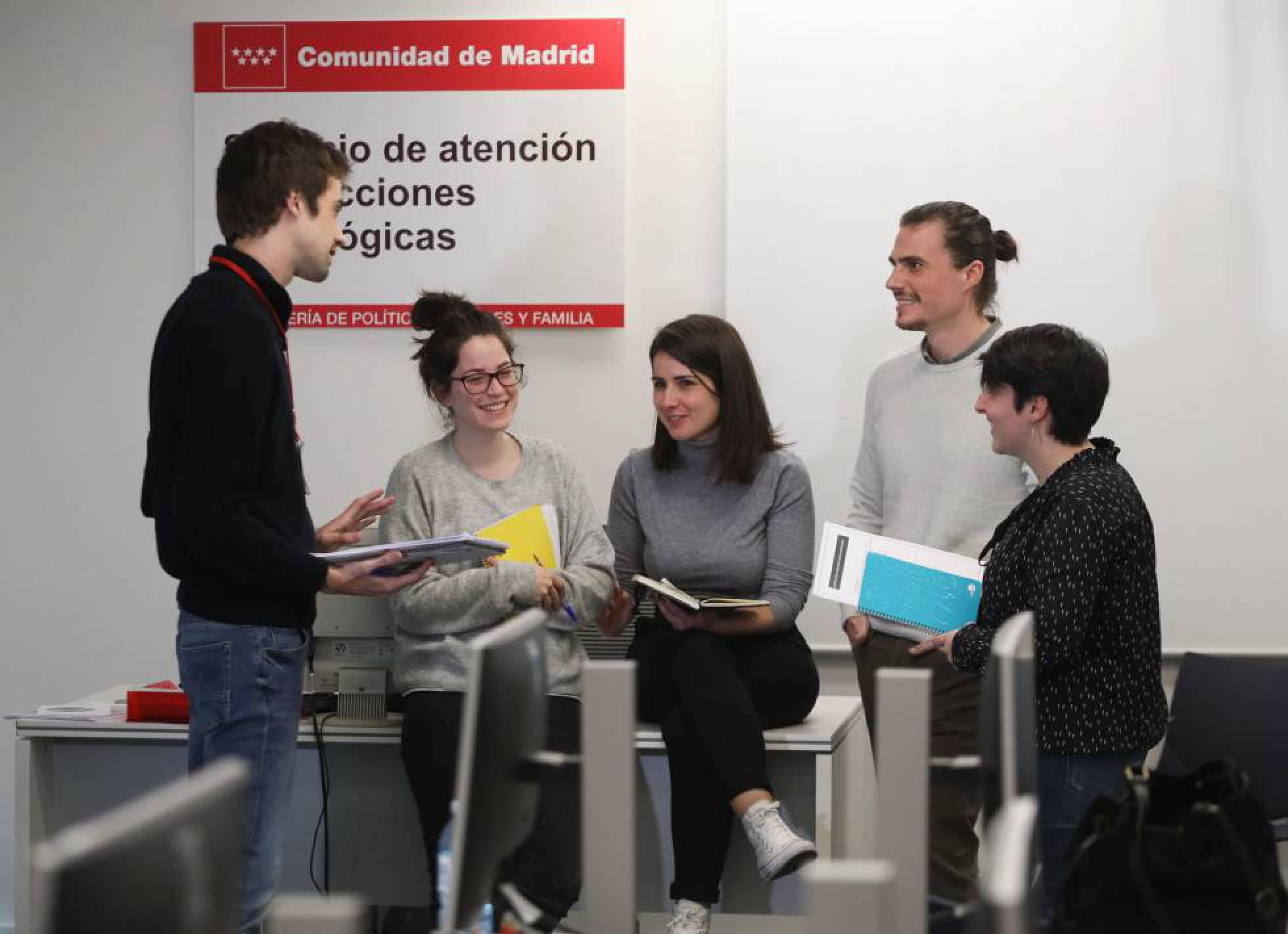 Помощь подросткам с зависимостью от интернета и видеоигр в Мадриде