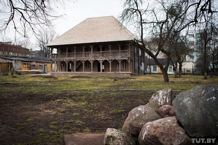 Вы когда-нибудь видели гродненский лямус? Самое старое деревянное здание Беларуси открыли для туристов