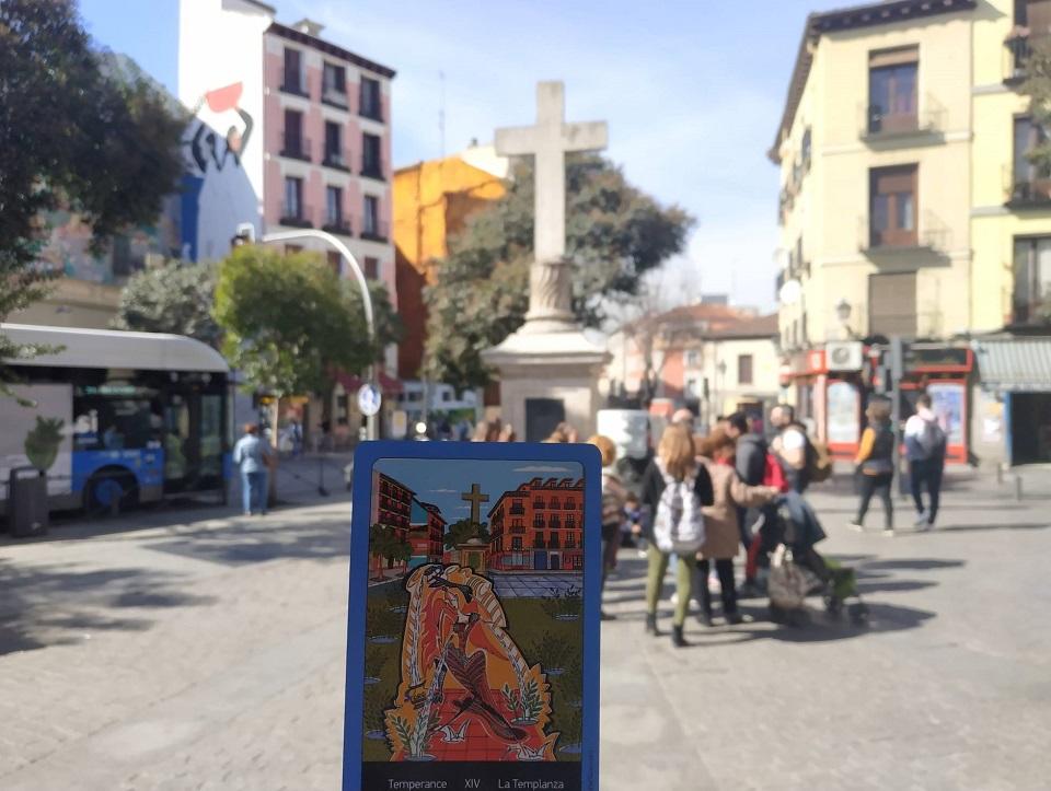 На ярмарке эзотерики в Мадриде презентовали колоду карт таро со знаковыми местами города