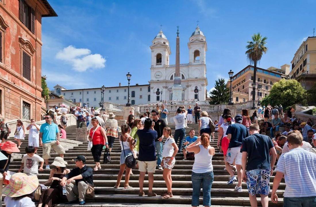 В Италию за 2018 год прибыло 800 тысяч российских туристов, в 2019 году рост турпотока достиг 30%