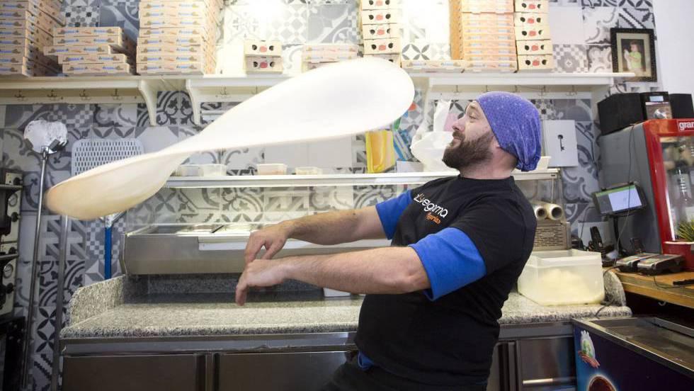 Испанский пиццамейкер готовится в очередной раз превзойти итальянских мастеров