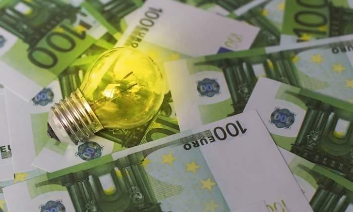 В апреле свет в Испании подорожает из-за возврата налога на генерирование энергии