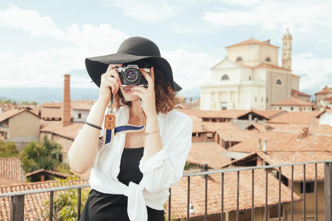 Опрос: что ищут туристки в одиночных путешествиях