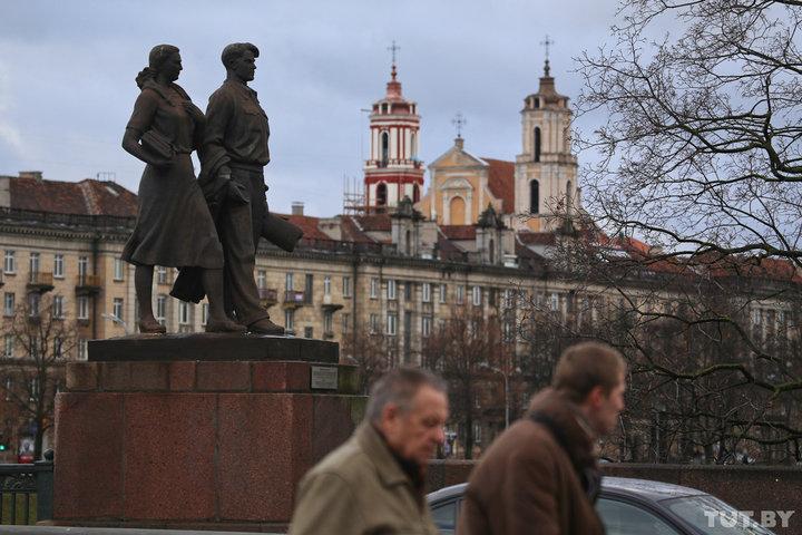 Влияет ли цена билета на поезд Минск - Вильнюс на поток в Литву и когда на границе не будет очередей