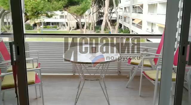 Продаются трехкомнатные апартаменты в 20 метрах от моря