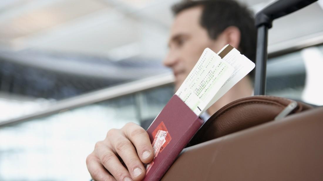 Около ста туристов из Петербурга попытались вылететь на Хайнань по поддельным билетам