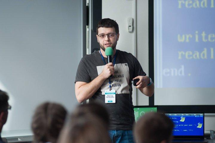 Более 465 детей со всей Беларуси посетили офисы ИТ-компаний