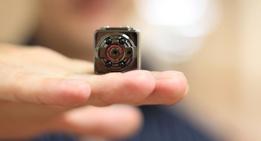 Туристы обнаружили скрытую камеру в арендованной через Airbnb квартире