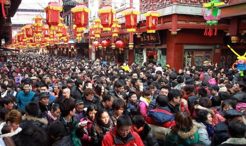 За поведением китайских туристов начнут следить и внутри страны