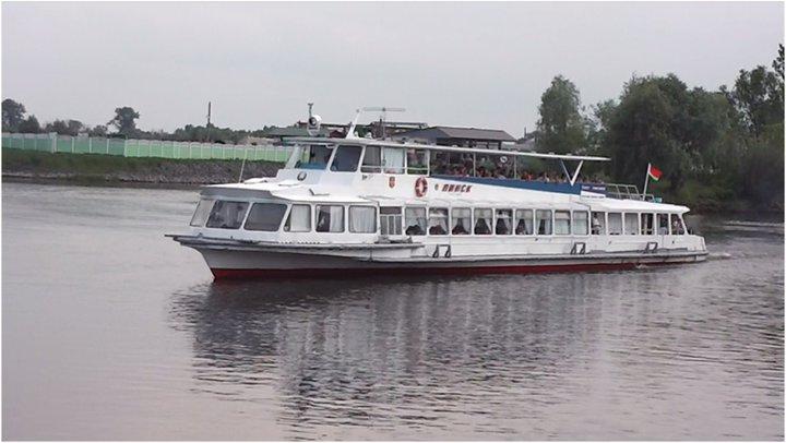 Теплоход «Пинск» в начале сезона не будет принимать пассажиров: судно уходит на ремонт