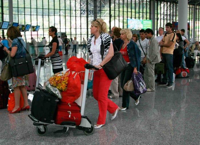 Количество российских туристов в Анталии с начала года увеличилось на 74%