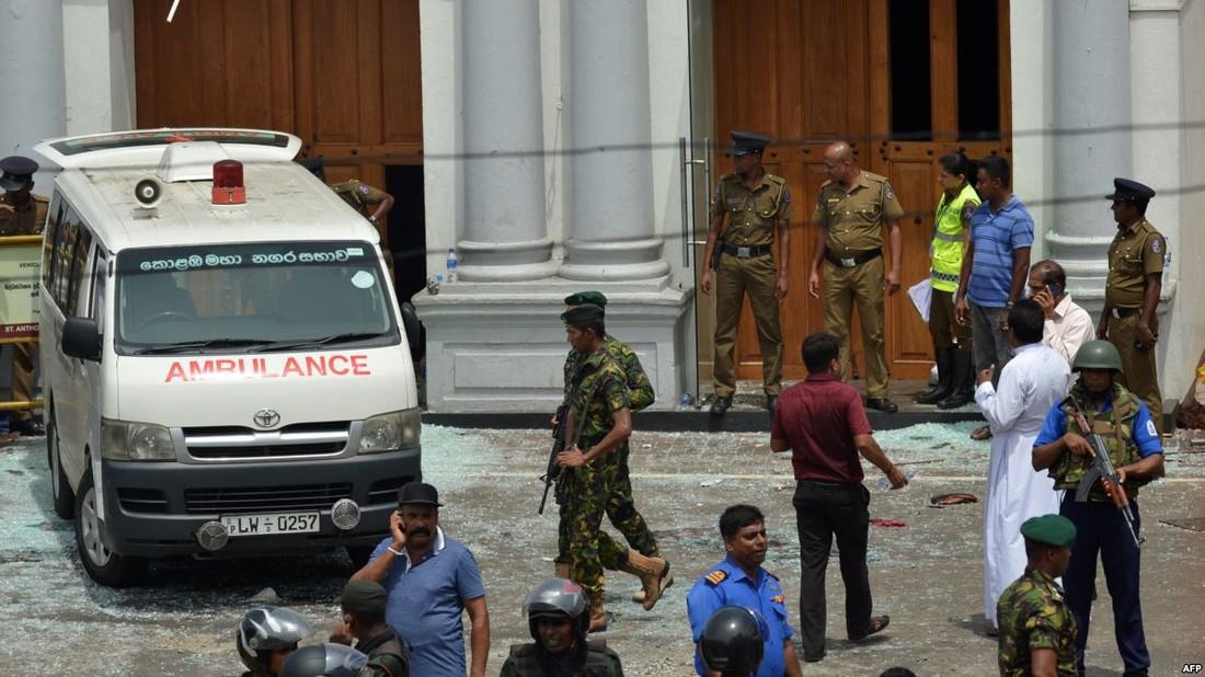 Ростуризм призвал российских туристов на Шри-Ланке быть бдительными и не покидать курорты, а туроператоров – предупреждать о ситуации