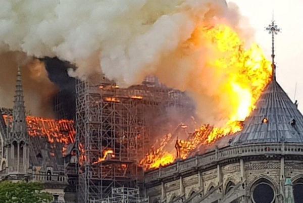 Сгоревший Нотр-Дам вынудил туроператоров менять экскурсионные маршруты в Париже