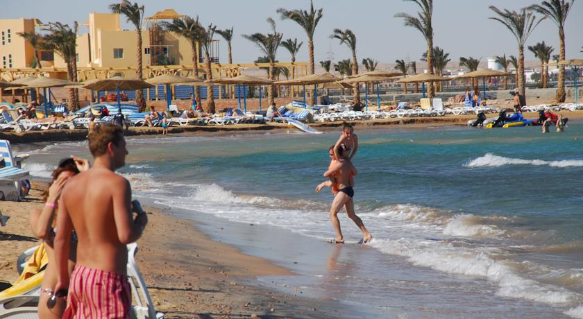 Египет ждет двухзначного роста в туристическом секторе