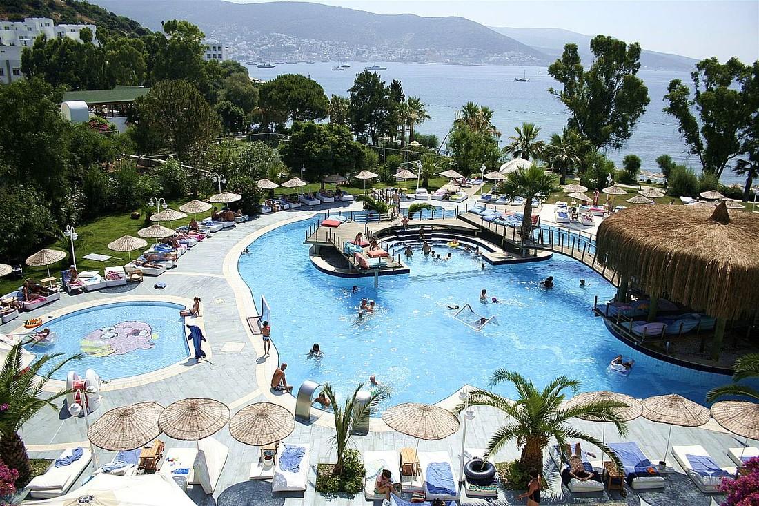 Исследование: сколько российские туристы тратят на отдыхе в Турции