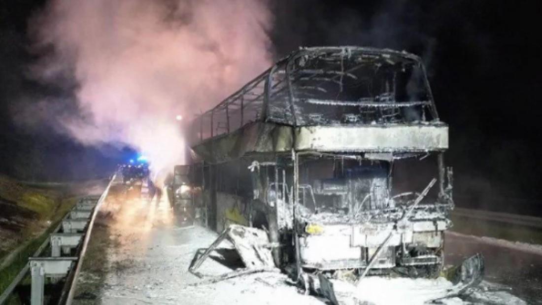 Туристический автобус Киев-Прага дотла сгорел в Польше