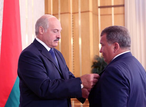 В 2013 году из рук президента Беларуси Юрий Чиж получил орден Отечества III степени. Фото: пресс-служба Александра Лукашенко