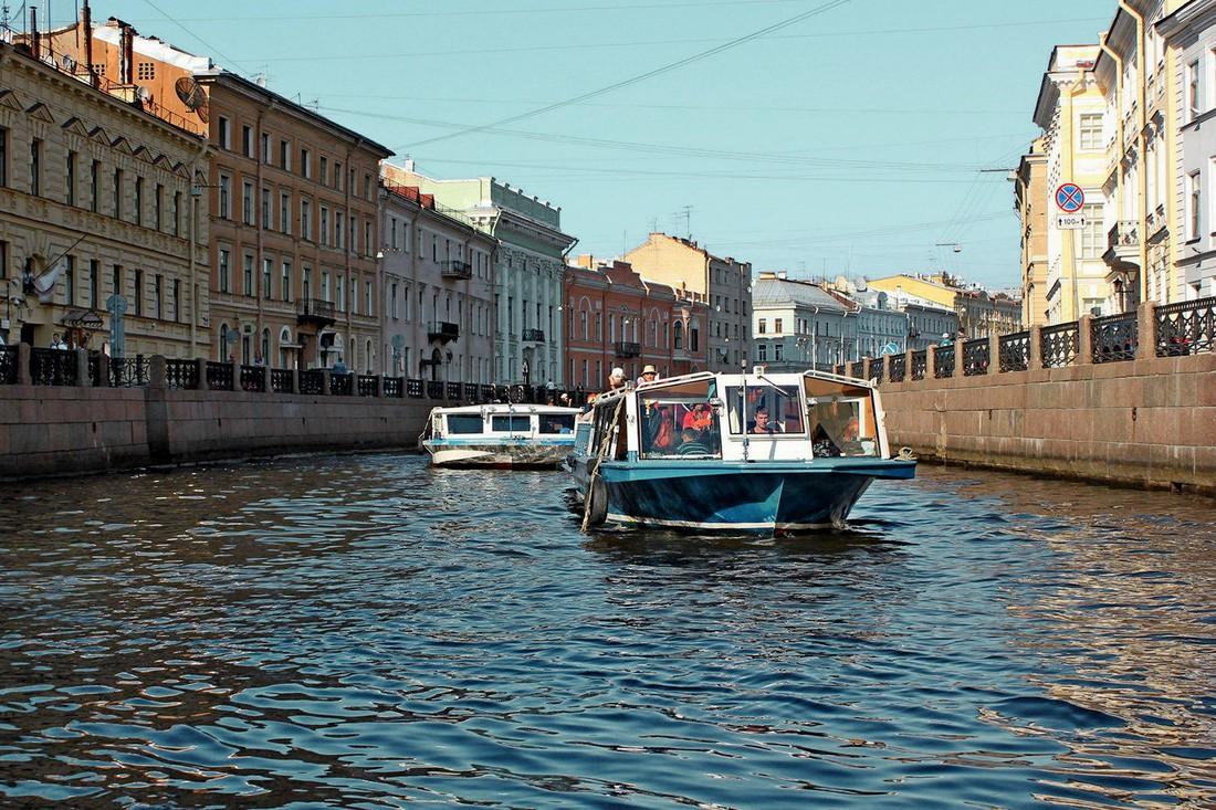 СМИ: ФАС направило предостережение поставщикам речных экскурсий по Петербургу