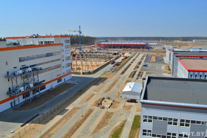 Такого в Беларуси еще не было. Что происходит в строящемся под Минском «Великом камне»