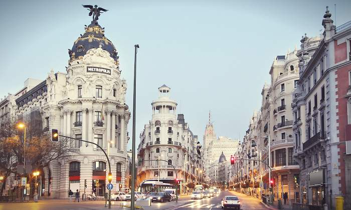 Правительство Испании ограничит движение личного транспорта в городах с более чем 50 000 жителей