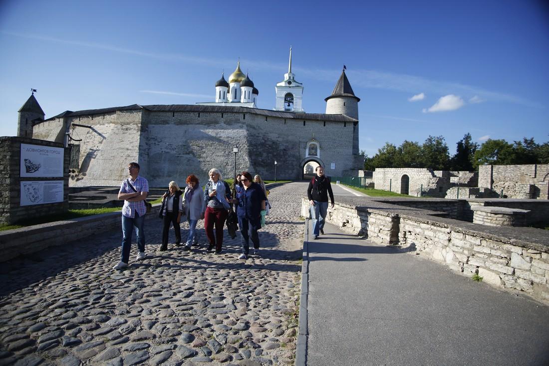 В Пскове предложили принять закон о деятельности гидов