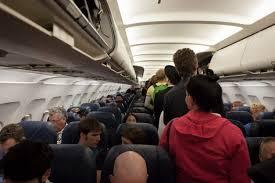 В Госдуме предложили запретить авиакомпаниям разделять семьи при рассадке в салоне