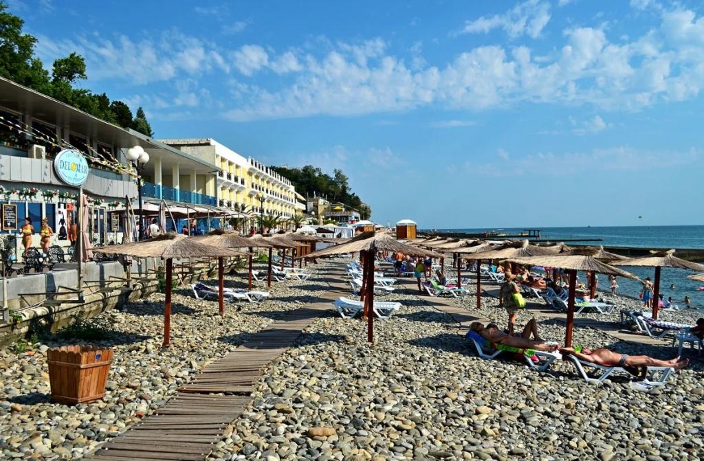 Около пятнадцати российских пляжей заслужили «Голубой Флаг»