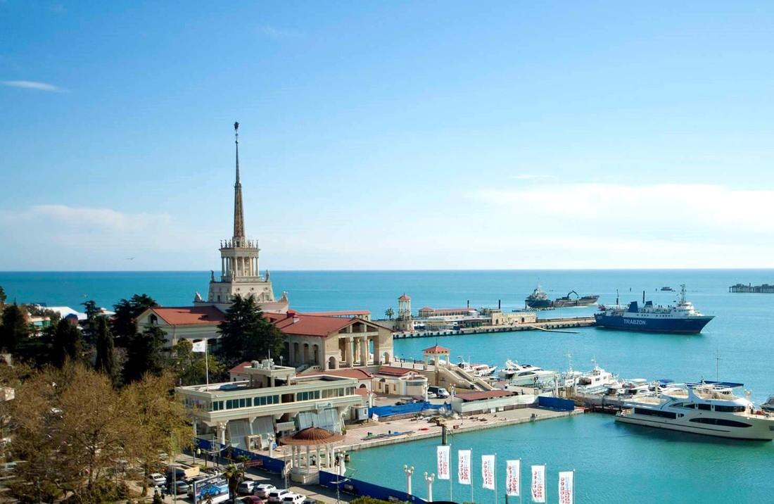 Курорты отчитались о майских праздниках: Крым - 300 тыс., Кубань - 430 тыс. туристов