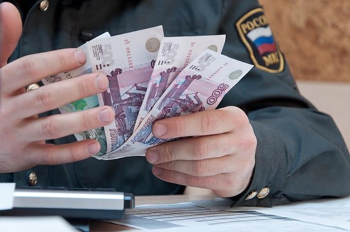 Полицейского из Домодедово осудили за получение взятки от туроператора