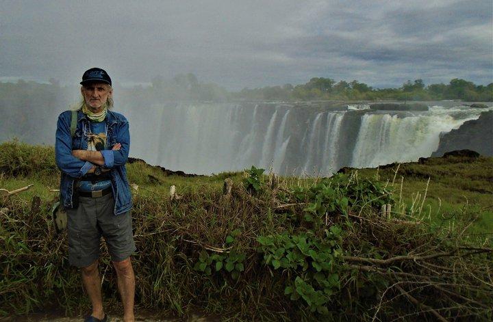 «Мне нестерпимо захотелось купить обратный билет». Удивительные приключения белоруса в Зимбабве